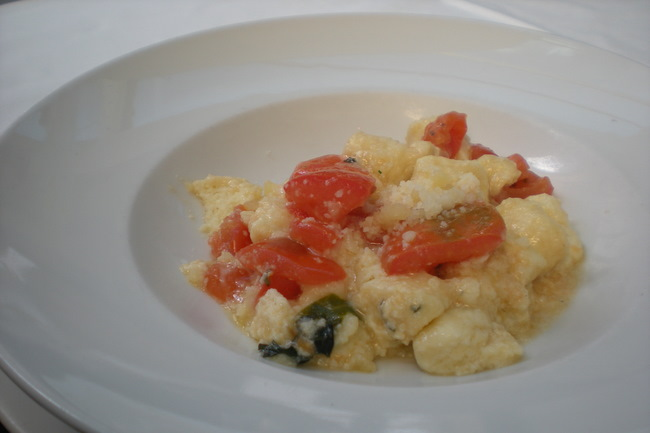 Ricotta gnocchi with fresh tomatoes